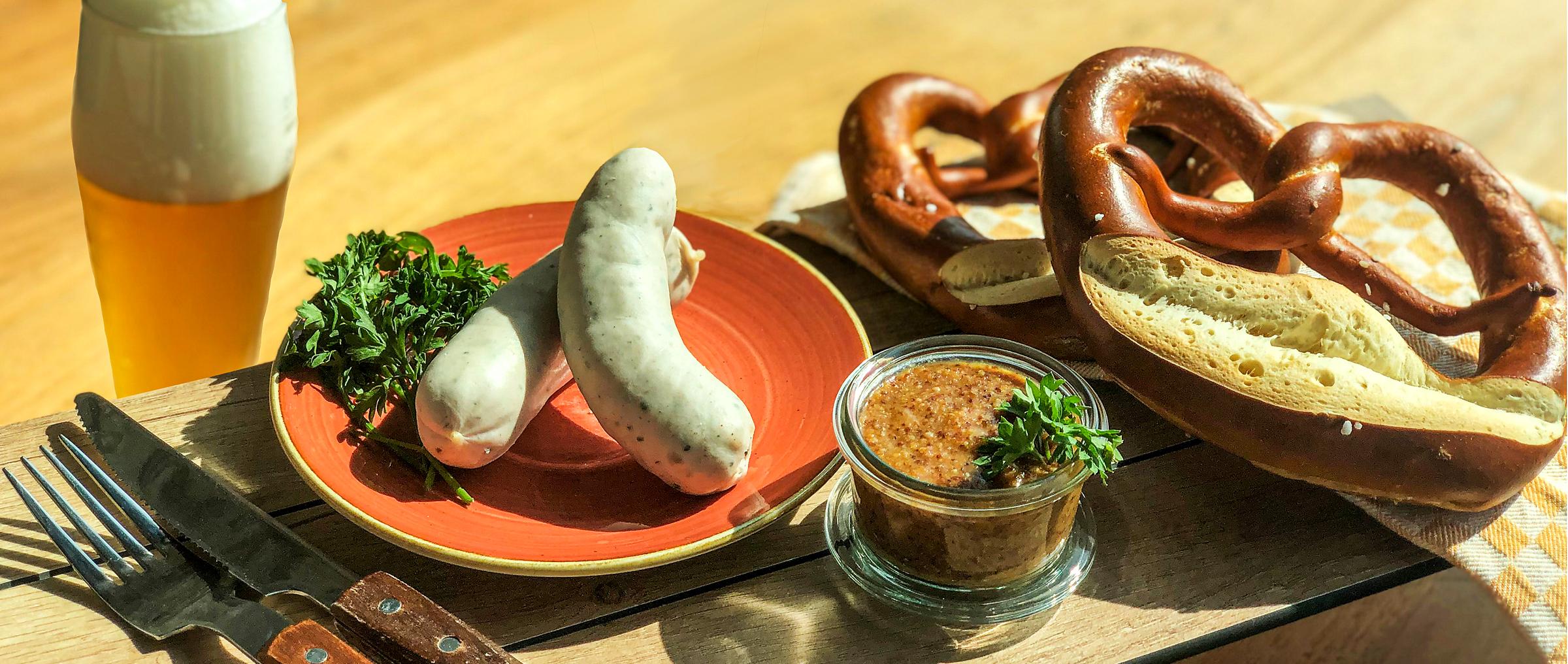 KATZ Weißwurstfrühstück mit selbstgeschlungenen Brezeln